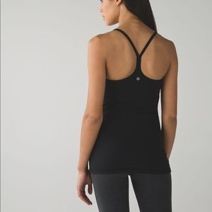 •PRICED TO SELL• MUST HAVE LULU POWER Y TANK TOP